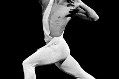 10 Male Ballet Dancers who are Considered to be