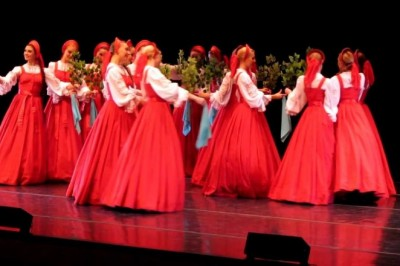 16 Russian Dancers Stand Absolutely Still, But When They Start To Move… WOW!